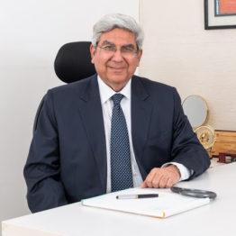 Dr_Sanjiv_Kandhari