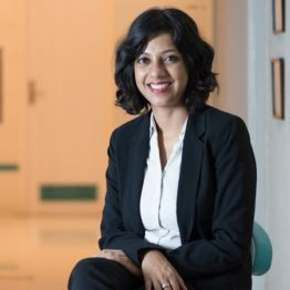 Dr Gargi Kandhari- Dentist in Delhi